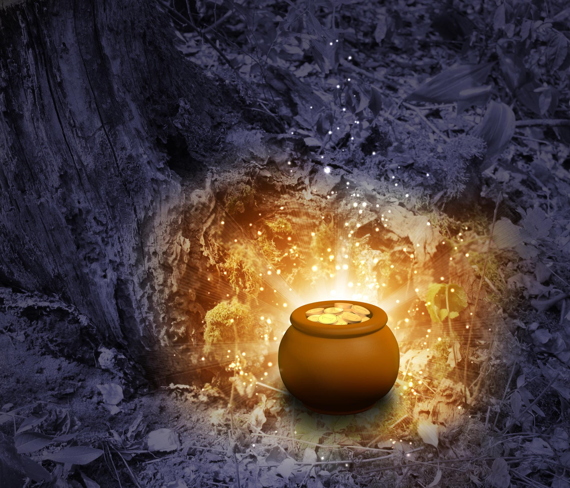 היקום הוא תיבת אוצר גדולה, גדושה בשפע, כשנבין שהוא כזה נוכל לקחת  מלוא החופן. Treasure - pot, filled with  gold coins