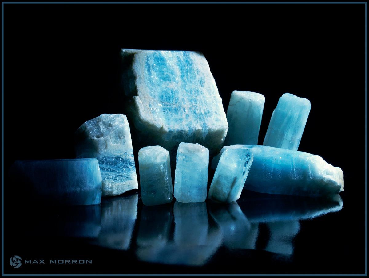 גבישים איכותיים של אקוומרין. צילום: מקס קובלסקי Photo by Max Kovalski www.maxkov.com