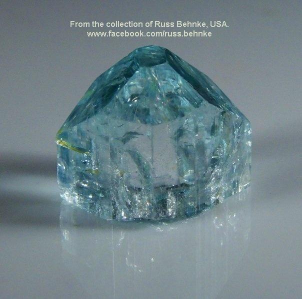 """טופז תכולה באיכות גבוהה לתכשיט. מהאוסף של ראס בהנק מארה""""ב. From the collection of Russ Behnke, USA"""