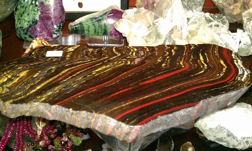 משטח של טייגר-איירון. מהאתר של סטונאייג.  www.stoneage.co.il צילום: שני תודר photo: Shani Toder