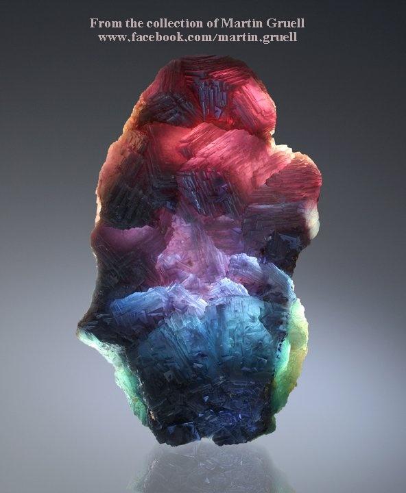 גביש מדהים של פלואוריט רב-צבע. מהאוסף של מרטין גרול מאוסטריה.From the collection of Martin Gruell from Austria