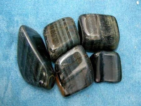 חלוקי הוק-איי (טייגר-איי כחולה). מהאתר של סטונאייג.  www.stoneage.co.il צילום: שני תודר photo: Shani Toder
