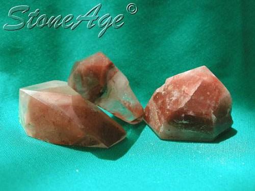 פאנטום קוורץ אדומה. מהאתר של סטונאייג.  www.stoneage.co.il צילום: שני תודר photo: Shani Toder