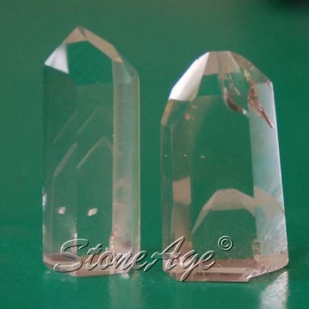 גנרטורים של קריסטל קוורץ פאנטום. מהאתר של סטונאייג.  www.stoneage.co.il צילום: שני תודר photo: Shani Toder