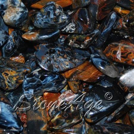 חלוקי פיטרסייט כחולה. מהאתר של סטונאייג.  www.stoneage.co.il צילום: שני תודר photo: Shani Toder