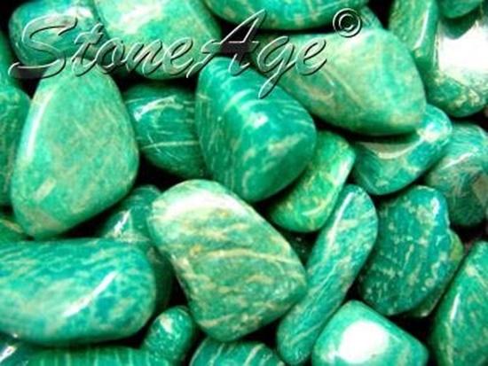 חלוקי אמאזונייט בירוק מפוספס. מהאתר של החנות סטונאייג'  www.stoneage.co.il צילום: שני תודר photo: Shani Toder