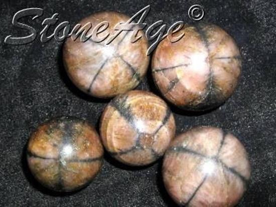 חלוקי אנסלוסייט באיכות גבוהה. מהאתר של החנות סטונאייג'  www.stoneage.co.il צילום: שני תודר photo: Shani Toder