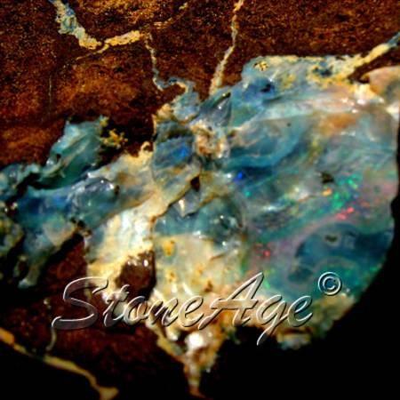 אופאל גולמית מרהיבה בכחול. מהאתר של החנות סטונאייג'  www.stoneage.co.il צילום: שני תודר photo: Shani Toder