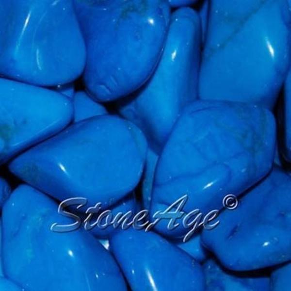 חלוקי היולייט צבועים בכחול. מהאתר של החנות סטונאייג'  www.stoneage.co.il צילום: שני תודר photo: Shani Toder