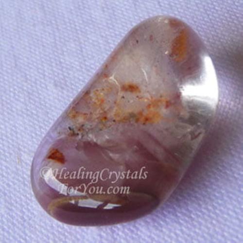 חלוק של ליתיום-קוורץ. נלקח ברשות מהאתר   Taken with courtesy from www.healing-crystals-for-you.com